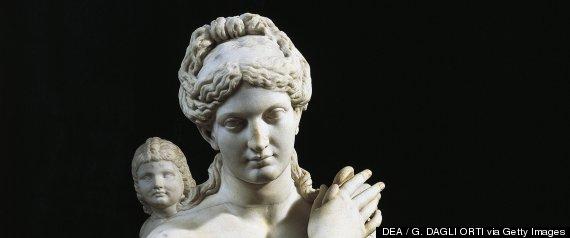 greek aphrodite statue