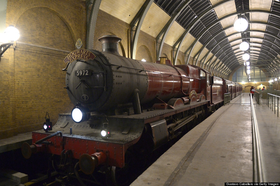 Theme Go 3d Wallpaper First Photos Of Universal S Diagon Alley Are A Harry