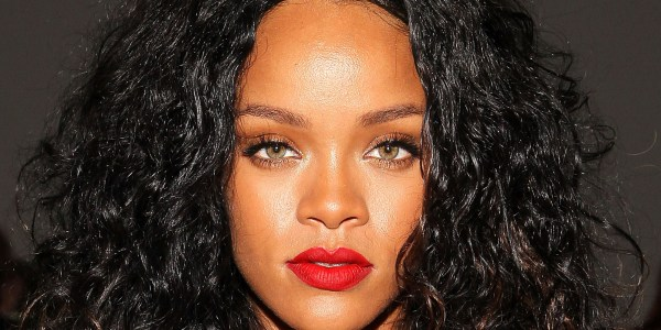 Rihanna Slams Cbs Yanking 'thursday Night Football' Intro Update
