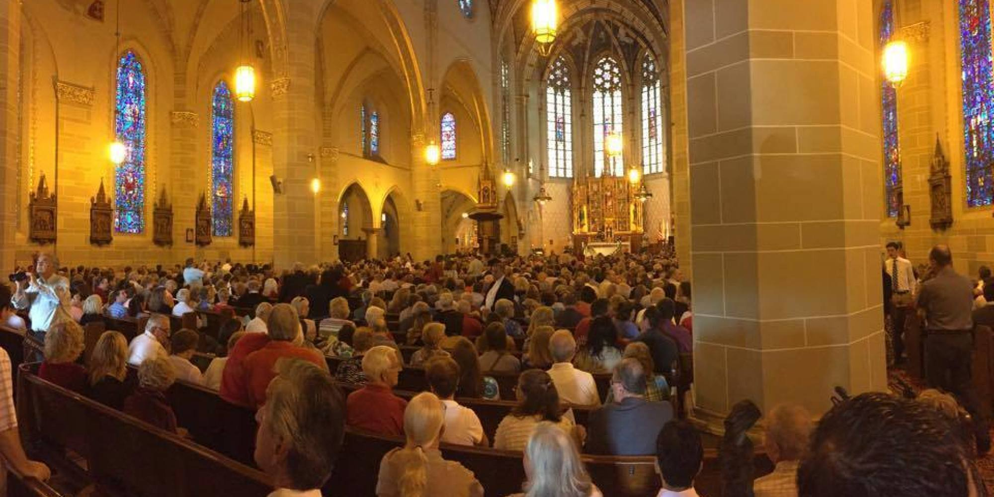 Mass Mobs Are Filling The Pews At Detroit S Catholic