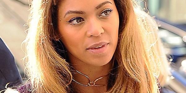 Beyonce Rocks Short Bangs Huffpost
