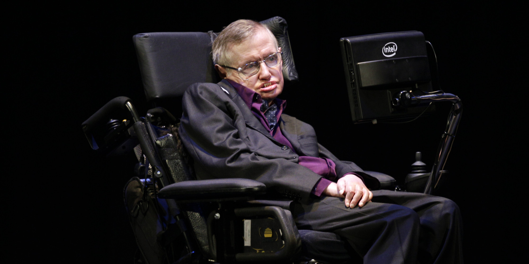 Stephen Hawking Wants To Be A Villain In A James Bond