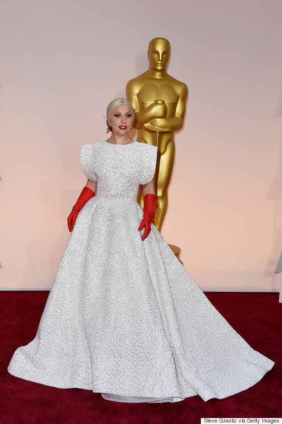 Oscars 2015 Red Carpet Lady Gaga Wears A Typically 39Gaga