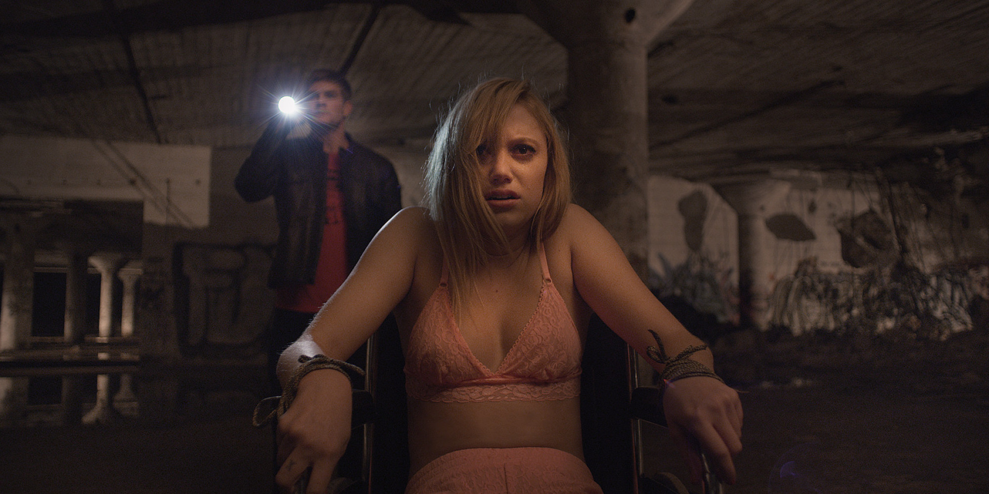 Image result for maika monroe it follows