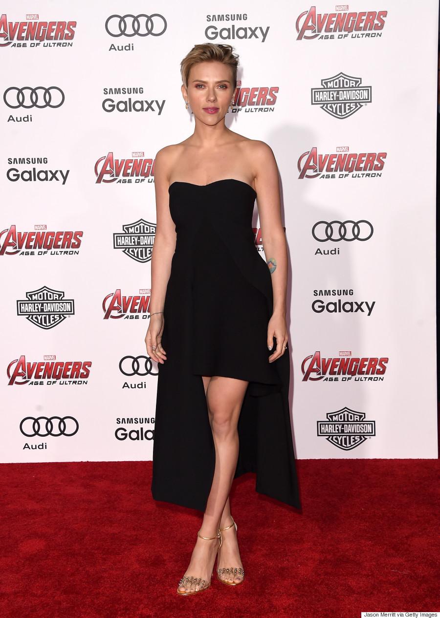 Scarlett Johansson Stuns In Sexy Black Dress 'avengers