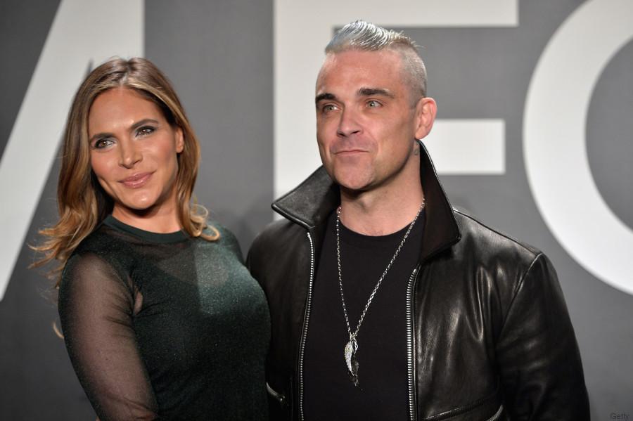 Robbie Williams hat eine neue Frisur mit der er die 90er