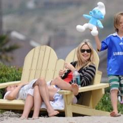 Stuffed Animal Chair Best Office For Hemorrhoids Kate Hudson, Matt Bellamy Relax In Malibu (photos) | Huffpost