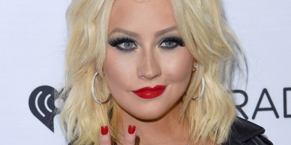 Christina Aguilera' Topless Selfie Shows Body Confident