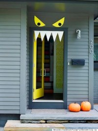 9 Easy, DIY Halloween Door Decorations For This Month