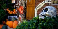 Halloween Door Decorations: 20 Ways To Add More Fright To ...