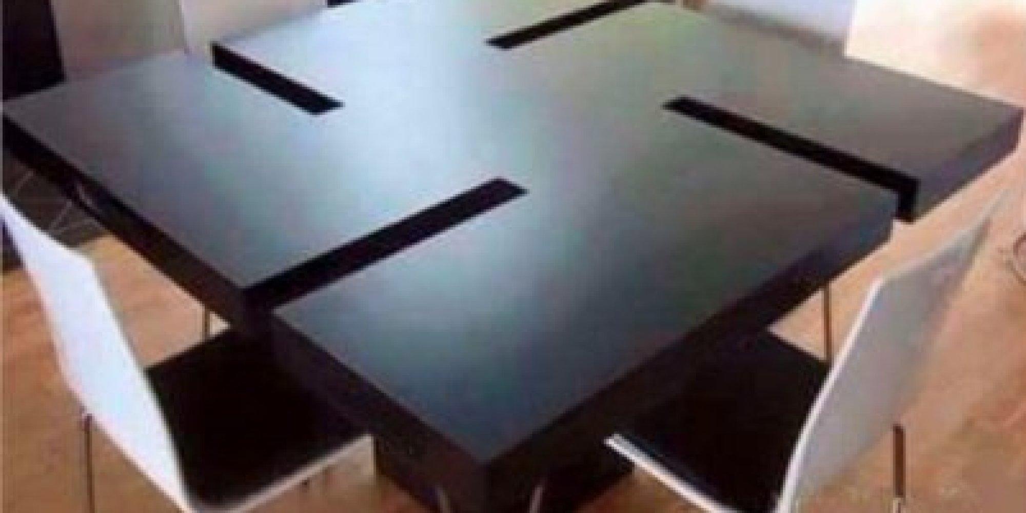 Emprung ber HakenkreuzTisch den Ikea angeblich verkauft