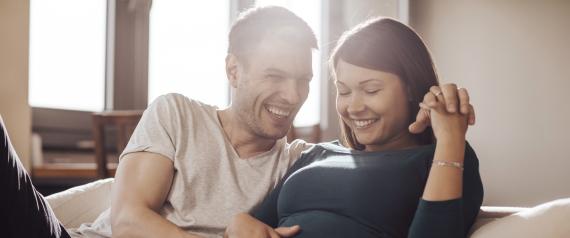 c59c24278 متى نستأنف العلاقة الحميمة بعد الولادة؟ هذا هو أحد أكثر الأسئلة شيوعاً التي  نطرحها بعد الولادة؛ لأن وجود طفل هو تجربة لا تصدَّق. ولكن، من الواضح أن له  عواقب ...