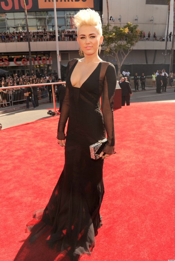 Miley Cyrus Vma 2012 Dress Features Plunging Cleavage
