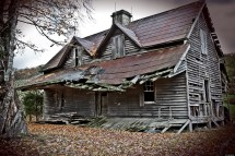 Real Haunted Houses Near Me