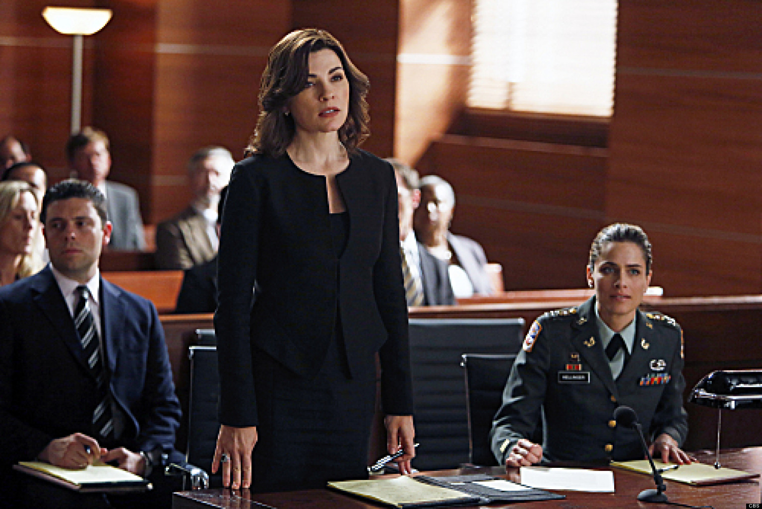 The Good Wife Recap The Art Of War And Fine Performances Huffpost