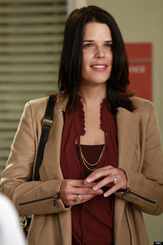 Greys Anatomy Neve Campbell On Playing Dereks Sister