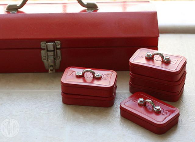Homemade Gift Ideas For Men: Altoid Tin Mini Toolbox | HuffPost
