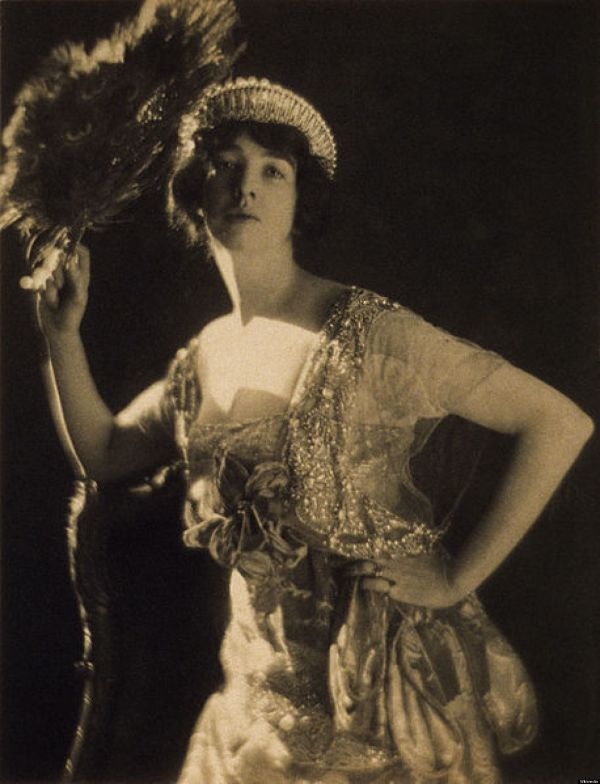 Gertrude Vanderbilt Whitney' Birthday 8 Owe