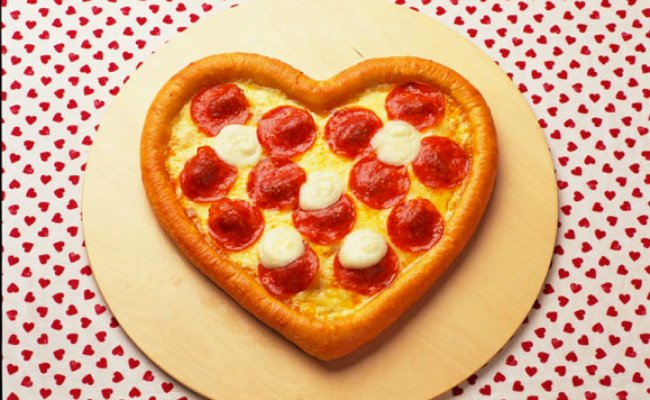 Domino S Japan Debuts Heart Shaped Pizza For Valentine S