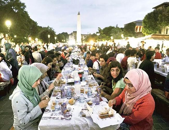 Muslims begin holy month of Ramadan - Turkey News
