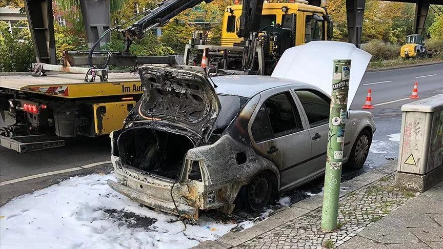 Arson attack on Turkish diplomatic vehicle in Berlin