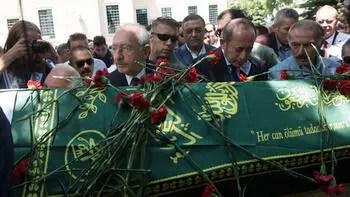Kılıçdaroğlu, eski ilçe başkanının cenaze törenine katıldı