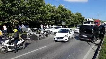Başakşehir'de zincirleme kaza... Ölü ve yaralı var