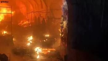 Çok sayıda dükkan yandı! Osmanlı'nın 200 yıllık emanetiydi