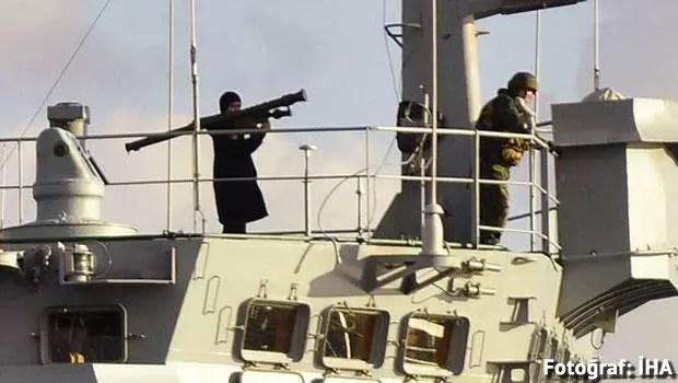 'Rus savaş gemisinin Boğaz'dan füzeli geçişi, tahrik edici'