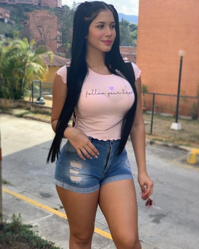 Roxana-Ventura-Wallpapers-Insta-Fit-Girls-2