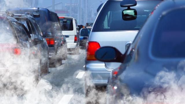 """EQUO califica de """"paso atrás"""" la decisión del Gobierno de eliminar la fecha para el fin de los coches de combustión"""