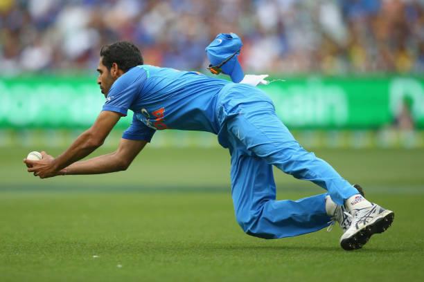 -Bhuvneshwar-Kumar-of-India-catches-out-Glenn-Maxwell-of-Australia-dur