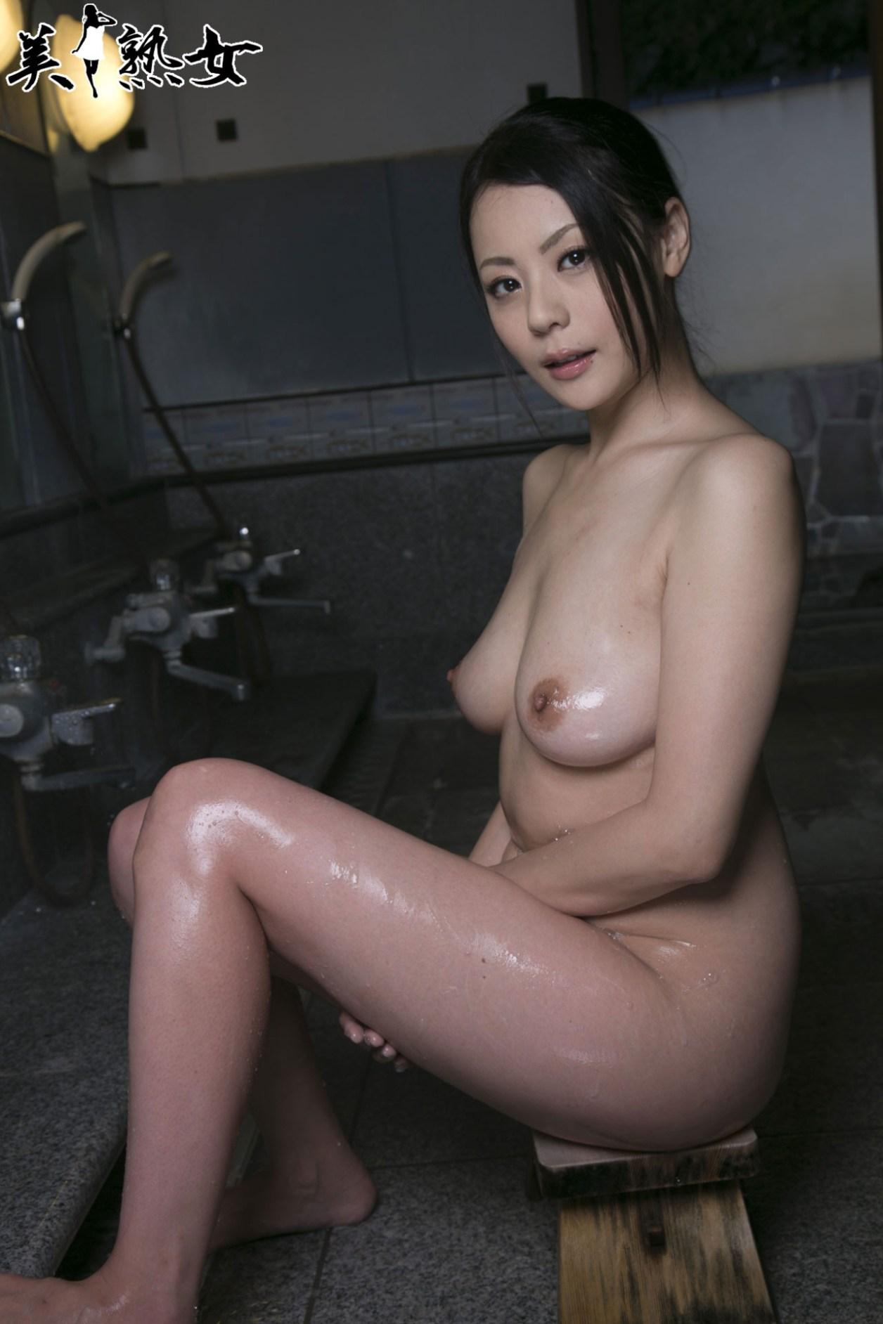 Aida-Nana-Bijukujo-016