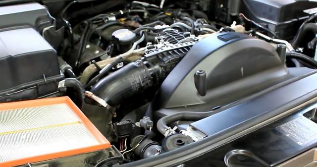 Замена патрубка интеркулера на Land Rover Discovery 4