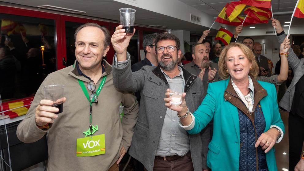 Dimite en bloque la Ejecutiva de Vox en Murcia por «exceso de trabajo» después de ganar las elecciones