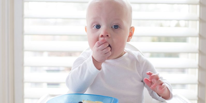 Finger foods to try, how to teach baby to eat, how to teach baby to eat from spoon, how to teach baby to eat solids, teach baby to eat, teach baby to eat with spoon
