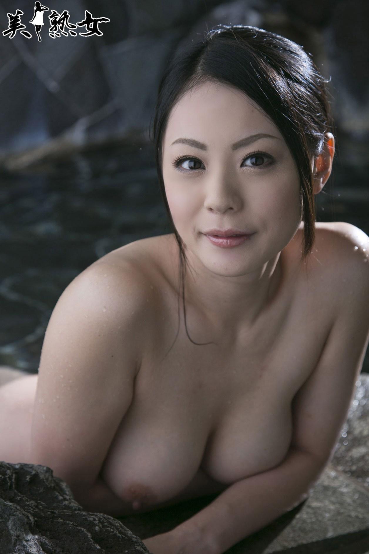 Aida-Nana-Bijukujo-009
