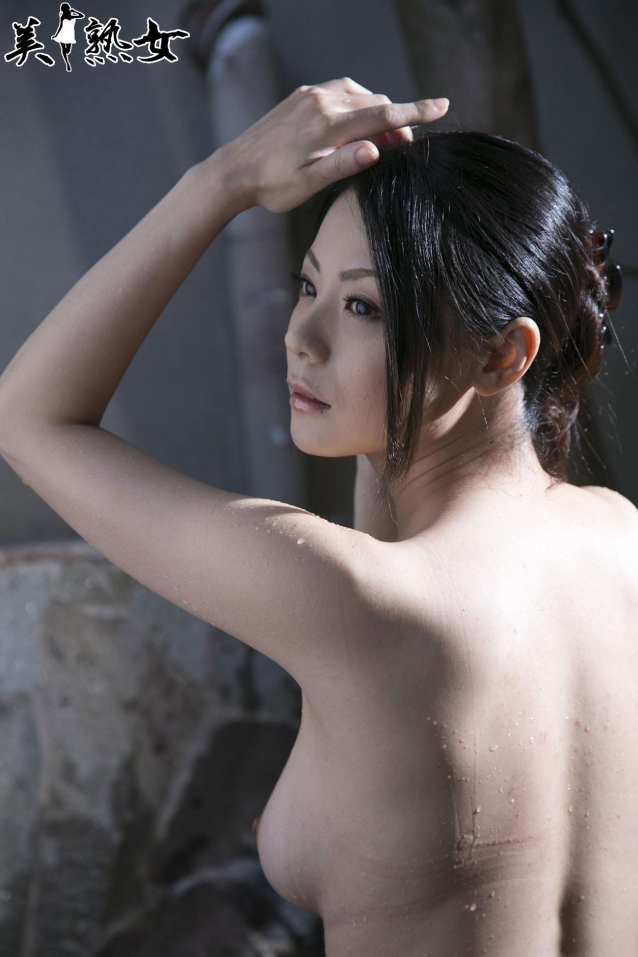 Aida-Nana-Bijukujo-008