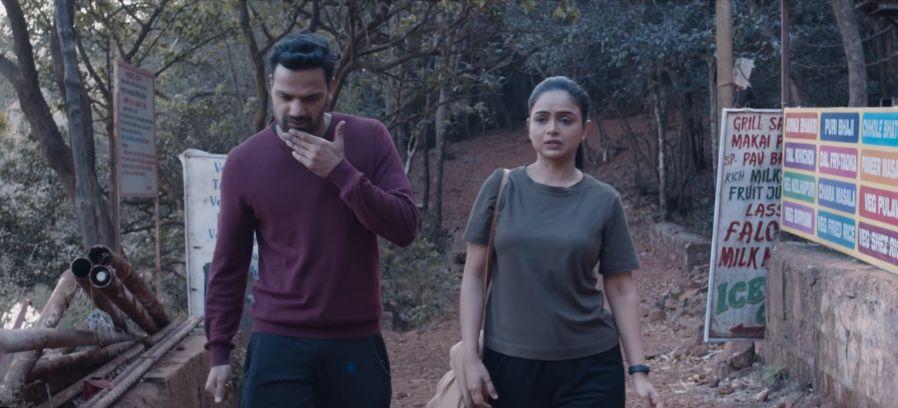 Download-Ghar-Pe-Bataao-MX-Player-or-Amazon-Prime-Video-Hindi-Movie-4