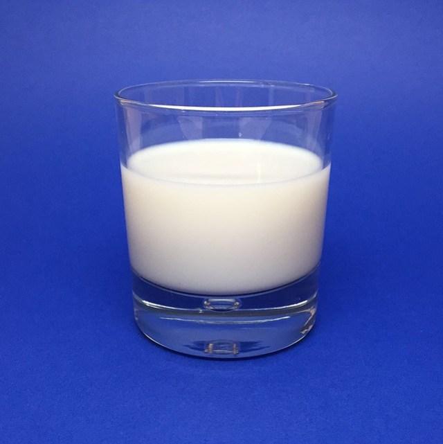 897px-Glass-of-Milk-33657535532