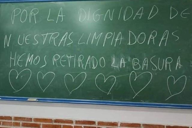 El bonito gesto del alumnado de un instituto de Córdoba con las limpiadoras tras más de un mes de huelga