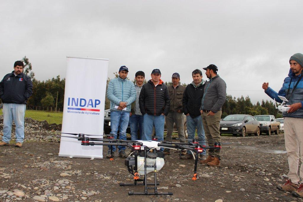 Indap entregó equipamiento de última tecnología a jóvenes rurales de las comunas de San Carlos, Ñiquén y San Fabián.