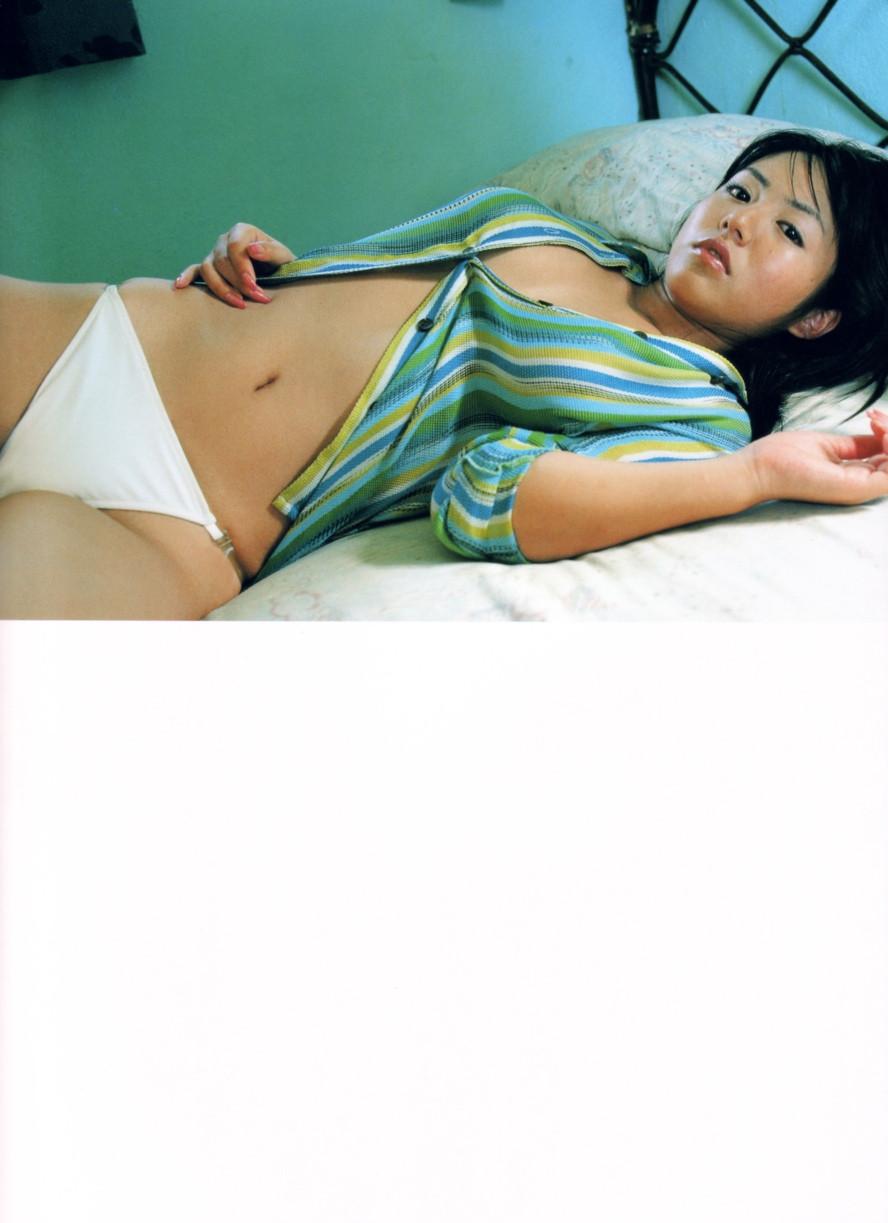 Isoyama-Sayaka-her-mavelous-youthful-days-078