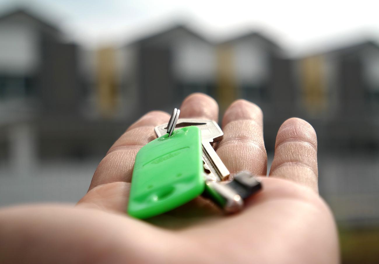 El Supremo anula definitivamente la venta de casi 3.000 viviendas sociales a un fondo buitre en Madrid
