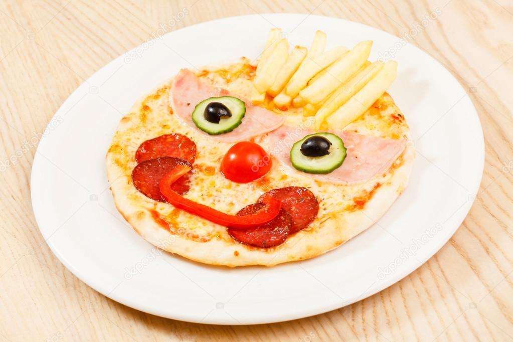 Funny Face Pizza, baby food, healthy baby food, healthy kids meal, healthy meal, Homemade Baby Food, kids food, kids meal