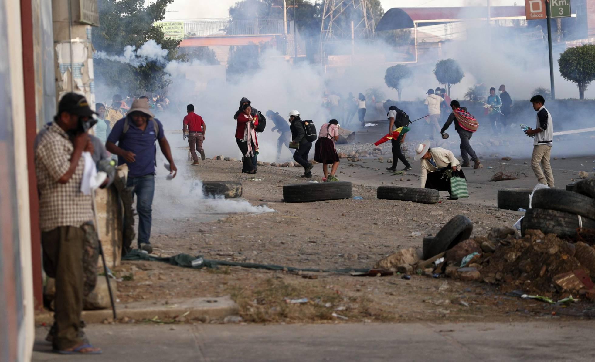 La autoproclamada presidenta Jeanine Añez emitió un decreto que exime a los militares de responsabilidades penales durante la represión
