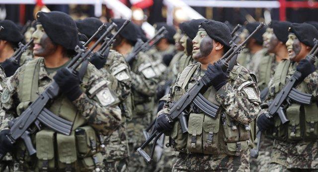 El Gobierno de facto de Bolivia está militarizando las calles para evitar protestas