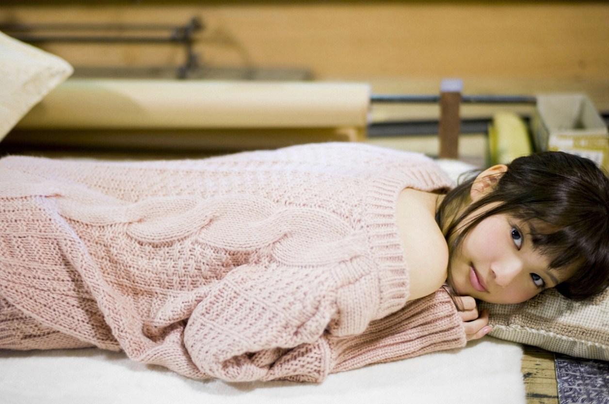 新川優愛「かわいすぎる」グラビア 30