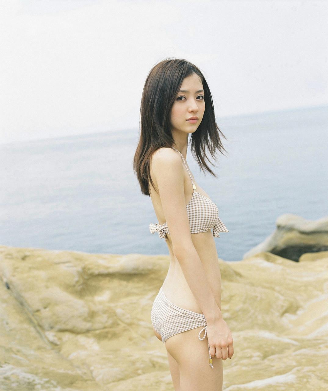 逢沢りな「さよなら、美少女」グラビア 04-06