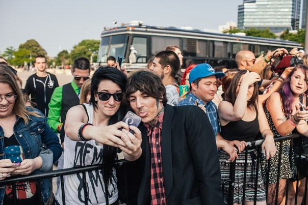 Oli getting in on the selfie action as well